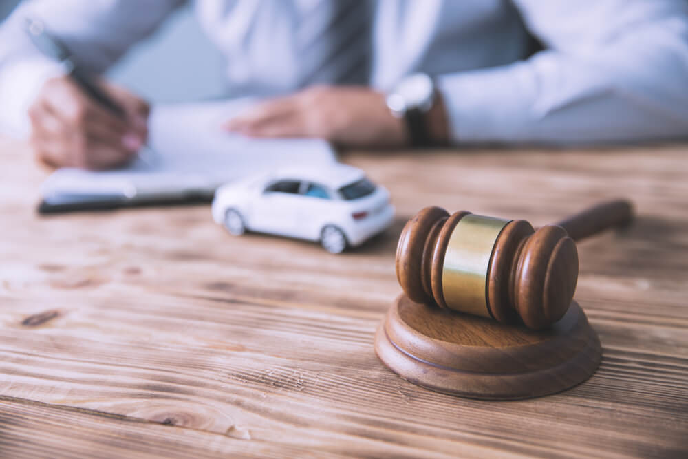 Should You Get a Lawyer for a Minor Car Accident in 2021 - The Video Ink